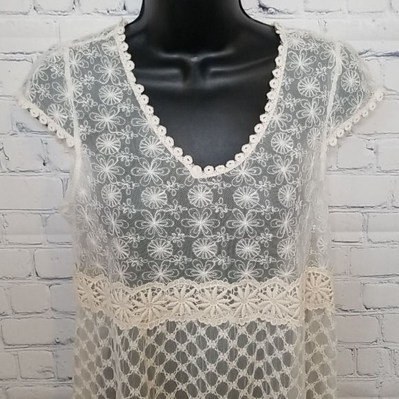 NWT Anthropologie/Solitaire lace top